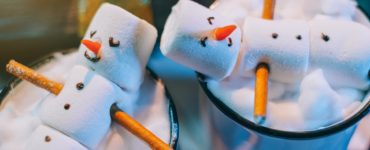 marshmallow snowmen are cute christmas candy crafts to sell